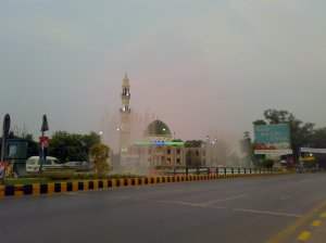 A Masjid-ul-Nabawi style mosque on Lahore's Mall Road