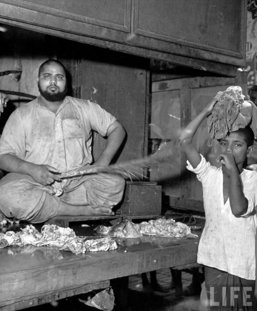 Meat+Shop+at+Market+-+Lahore+1946