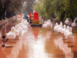 Models dot Lahore's canal as part of the Jashan-e-baharan celebrations
