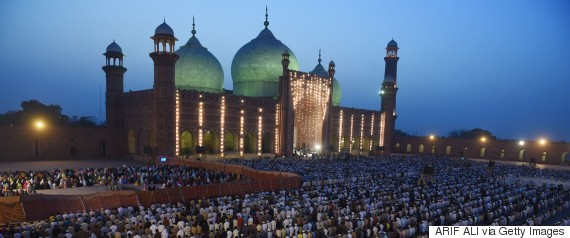 Worshippers gather at Lahore's historic Badshahi Mosque on April 25, 2015.